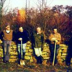 Bau der Trockenmauer in der alten Kläranlage Kochendorf (1985).