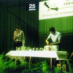 Wolfgang Ostertag und Jens Uwe Seiffer beim Schwalbennesterbau (Lindenberghalle Kochendorf, 1994).