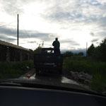 21.06. Sergej führt uns zu seinem Haus