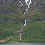 26.06. Einer von vielen Wasserfällen / Skibotn (NOR)