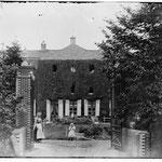 Voorkant kasteel voor 1906 - foto stadarchief Brugge