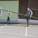 sogar die Jüngsten helfen mit ;-)