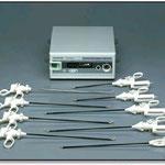 ソノサージ(超音波振動により摩擦熱を発生させ、組織や血管を凝固切開する手術装置)