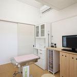 診察室① 各診察室も吹き抜けとなっています。