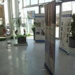 Die Ausstellung im hinteren Bereich des Foyers