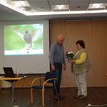Gudrun Edner (re.) bedankte sich im Namen der Gäste beim Referenten