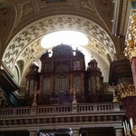 La Basilica dì Santo Stefano: interno