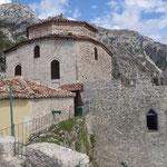 Kruje: la Moschea all'interno della fortezza