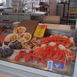 Torget (piazza più animata di Bergen) con il mercato del pesce