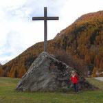 Cogne: croce in ricordo della visita di Papa Giovanni Paolo II