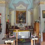 Interno della chiesetta di Crampiolo