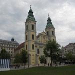 Belvarosi plebaniatemplom: la parrocchiale del centro città