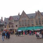 Brugge - Il Burg e a sinistra la Basiliek van het Heilig Bloed