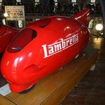 Le auto, le moto, le biciclette e i trattori in esposizione al museo Panini