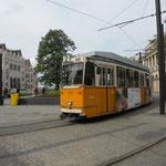 Il mitico tram numero 2 che costeggia tutto il lungo Danubio
