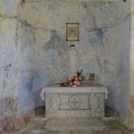 Cappellette votive lungo il sentiero per il Santuario