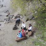 Pausa pranzo in riva al fiume
