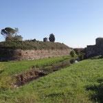 Il fossato delle mura