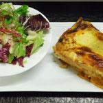Lasagnes accompagnée d'une salade