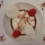 Birnenmascarponecreme mit pochiertem Eischnee und Rotweinsauce