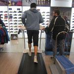 Análisis dinámico con zapatillas neutras especiales