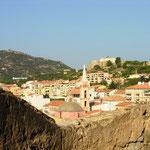 Le fort Mozzello et l'église Sainte Marie Majeure vus du même endroit.
