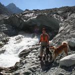 am Gletschertor des Mont-Miné-Gletscher - unser erster Gletscher