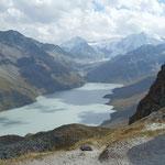 Blick auf den Stausee Lac des Dix am südlichen Ende des Val d'Hérémence vom Col des Roux aus