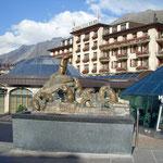 Murmeltierbrunnen im schönen und mondänen Zermatt