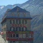 Hotel Belvédère auf der Westseite des Passes