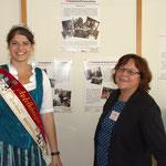 Apfelkönigin Annemarie Freytag, besucht die Freiwilligenagentur SonnenZeit auf der Kontakta Ansbach