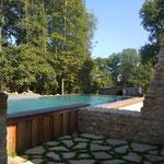 Accès piscine. (photo odermatt architectes lalinde)