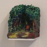 『近くには神社がある、と思う』 W14.5×D20×H19 紙粘土、石粉粘土、アクリル絵の具