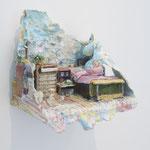『現実』木製パネル、紙粘土、厚紙、アクリル絵の具 2016年