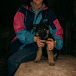 8/11/2003 Hobbit in Berlin with his breeder Pia Gelleszun