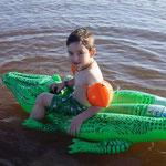 endlich mit Streifenfridolin das Krokodil in See stechen