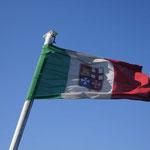 Wir fahren unter italienischer Flagge