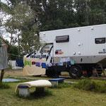Waschen und umräumen auf dem Camping