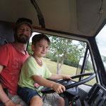 Tim darf Zebra fahren