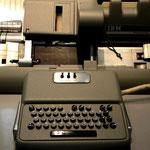 Lochkartenmaschine aus den 1960er Jahren