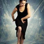 Carina La Debla / baile y castañuelas