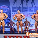 Сравнение, широчайшие спереди Филиппычев Алексей (9 место), Корнилов Алексей (8 место), Зонов Виталий (7 место)