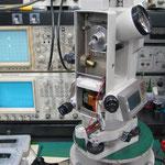 測機舎 電子セオドライト(DT5s)レストア中