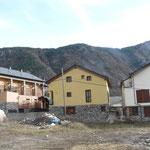 2006 3 edificios viviendas en El Run (Huesca)