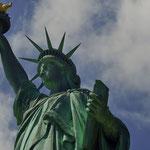 LADY LIBERTY - FREIHEITSSTATUE - NEW YORK HABOR [NEW YORK/USA]