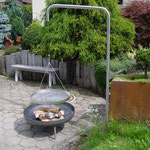 Jochgrill mit Kurbel, Stahl Inox mit Bodenhülse,  Ø 60 cm höhenverstellbar 50.060