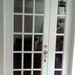 puerta cuadriculada Serie 50 Residencial con fijo lateral