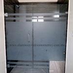 puerta batiente y fijo lateral modelo Duo Line