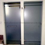 puertas batientes película esmerilada