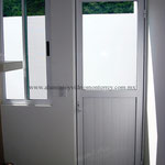 puerta batiente con duela